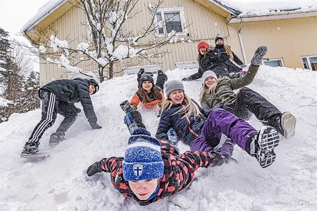 Jonathan Hägglund, Edith Granlund, Jonne Hirvonen, Karoliina Linna, Julia Lindell, Meja Björk och Alexandra Koivumäki tänker fira ett fartfyllt sportlov.