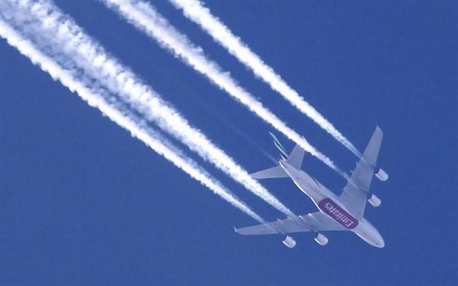 Internationella flygorganisationen Iata planerar respass som bland annat visar om personen har vaccinerats mot coronavirus.
