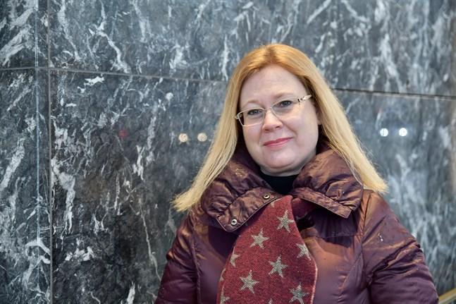 Jag kan tänka mig att de inhemska medierna har lockat de unga oftare nu när det handlar om en global kris med lokala konsekvenser, säger Jenny Stenberg-Sirén, mediespråksforskare vid Svenska litteratursällskapet.