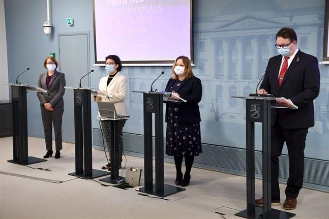 Satu Koskela, Liisa-Maria Voipio-Pulkki,  Krista Kiuru och Mika Salminen.