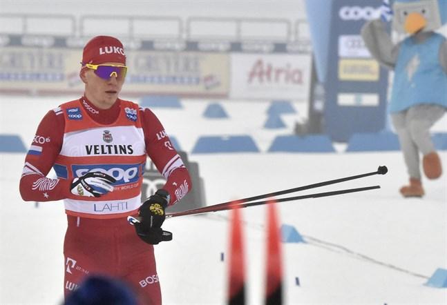Aleksandr Bolsjunov under världscupen i Lahtis där han tappade ansiktet totalt på upploppet och efter målgång.
