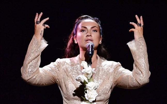Lovad debuterar i Melodifestivalen.
