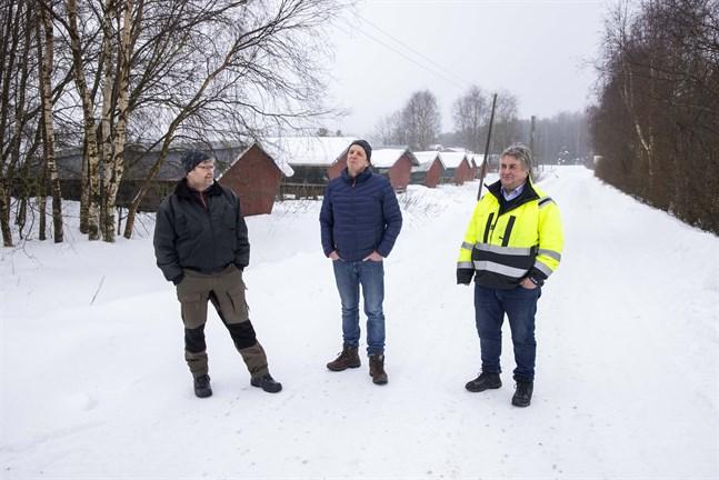 Peter Kastus, Sune Örn och Stig Beijar har verkat på kommunens farmområde sedan slutet av 70-talet. De vill gärna ha fler kollegor – danskar eller andra gör de ingen skillnad på.