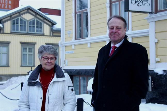 Styrelsemedlem Barbro Kloo och ordförande Mikael Österholm säger att 2021 borde tillägnas barn och unga. – För unga är ett år en lång tid, säger Kloo och syftar på konsekvenserna av pandemin.