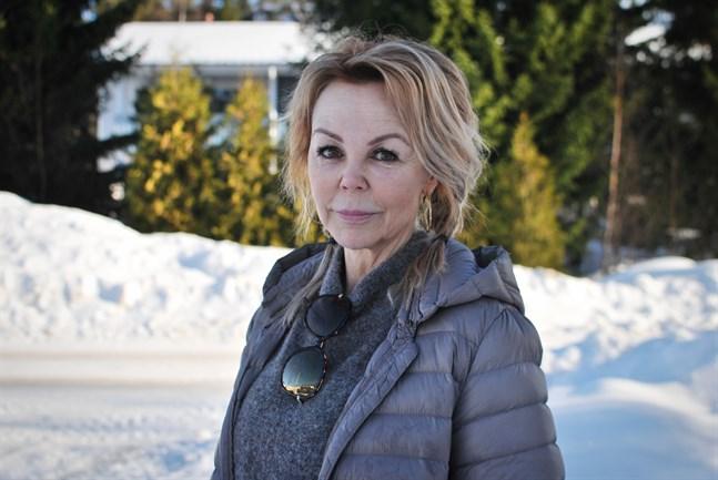 Marlene Jakobsson arbetar som sjukskötare på andra sidan Kvarken.