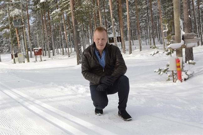 Nej, det blir inga skidmästerskap på Vargberget nästa helg. Surt, konstaterar Anders Nybacka som är ordförande för Kraft skidor.