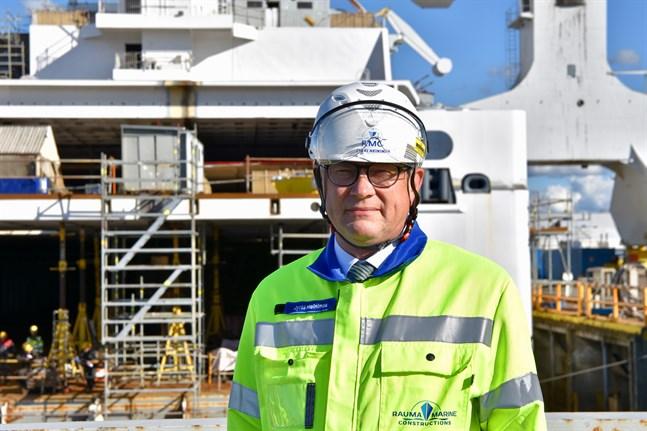 Enligt Jyrki Heinimaa, vd vid Rauma Marine Constructions i Raumo, kräver varvet nolltolerans av sina underleverantörer beträffande corona. Arkivbild.