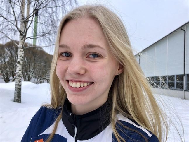 Emma Nyman hoppade hem ett guld vid junior-FM i Tammerfors.