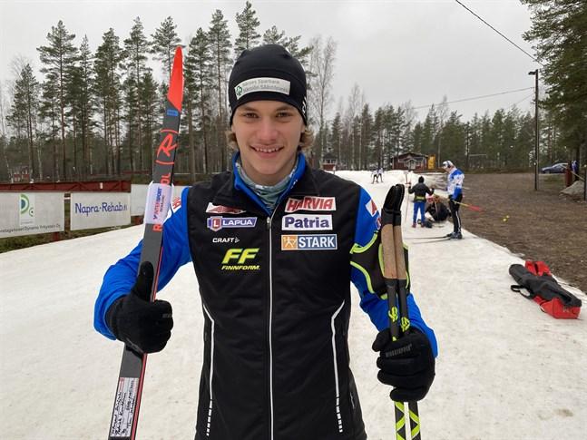 Patrik Kuuttinen gjorde ett nytt bra lopp i junior-VM i Österrike och nu får han även skida jaktstarten.