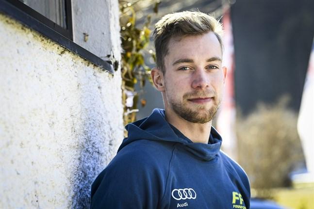 Joni Mäki har omtumlande dagar bakom sig, men VM fortsätter och i dag är det 15 kilometer fritt som står på programmet.