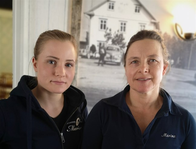 Christine och Marina Knutar får bereda sig på att enbart erbjuda hämtmat under tre veckor.