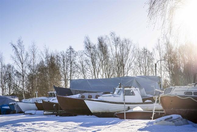 Vasa stad börjar ta betalt för vinterförvaring av båtar.