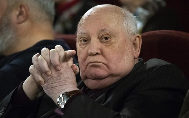Michail Gorbatjov fyller jämnt och firar på distans.