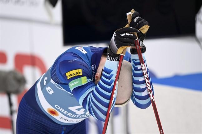 De finska herrarna med Iivo Niskanen i spetsen gav inga riktiga formbesked inför fredagens stafett. Perttu Hyvärinen gjorde det bäst med sin 17:e plats.