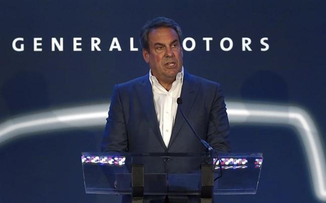 Mark Reuss, ordförande i GM, General Motors ser elbilar som en framtid. Och det gör andra biltillverkare också, så att det blir brist på halvledare.