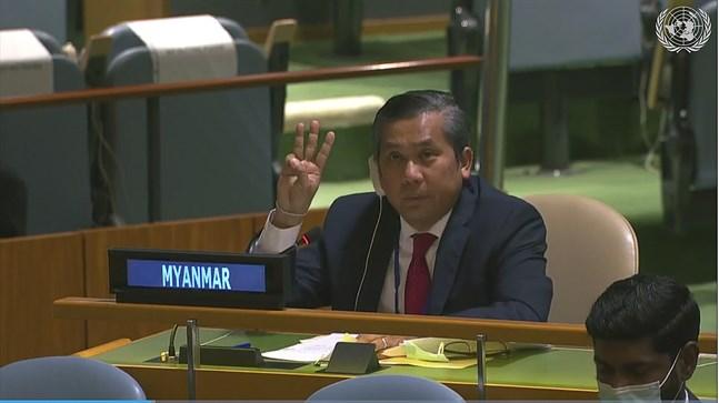 Kyaw Moe Tun i FN:s generalförsamling den 25 februari.