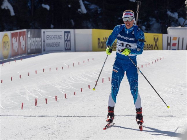 Patrik Kuuttinen hade problem med skyttet vid jaktstarten i junior-VM i Österrike.