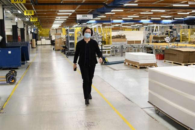 Fjolåret blev ett bra år för sängtillverkaren Hilding Anders trots pandemin, säger ekonomichef Anne Åberg.