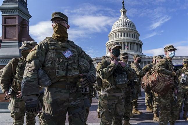 Nationalgardet på vakt utanför USA:s kongressbyggnad Kapitolium. Bild från januari.