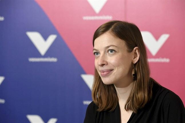 Vänsterförbundets ordförande Li Andersson går till kommunalval under gynnsamma omständigheter. Partiet går framåt med 1,9 procentenheter i Yles senaste partimätning.