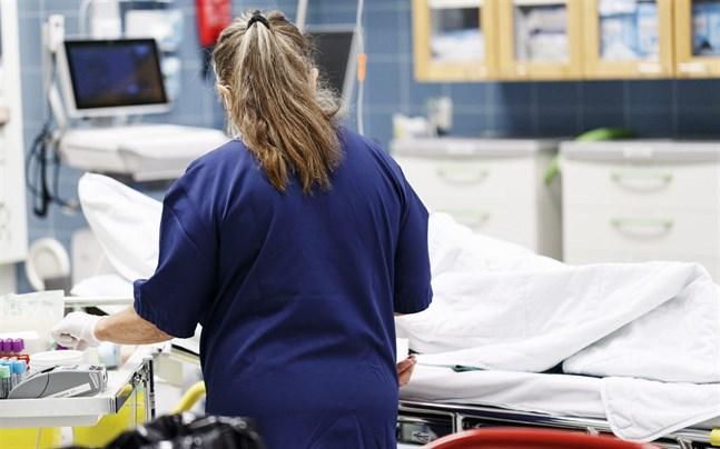 På sjukhus runtom i landet vårdas 245 coronapatienter. Av dem behöver 39 intensivvård.