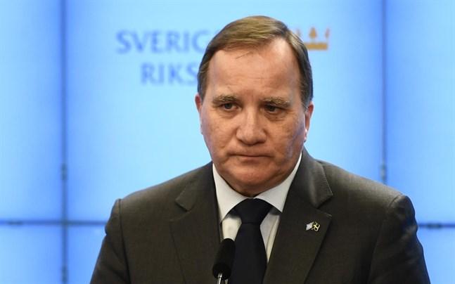 Sveriges statsminister Stefan Löfven (S) vill att Vetlanda ska känna att hela landet står bakom dem.