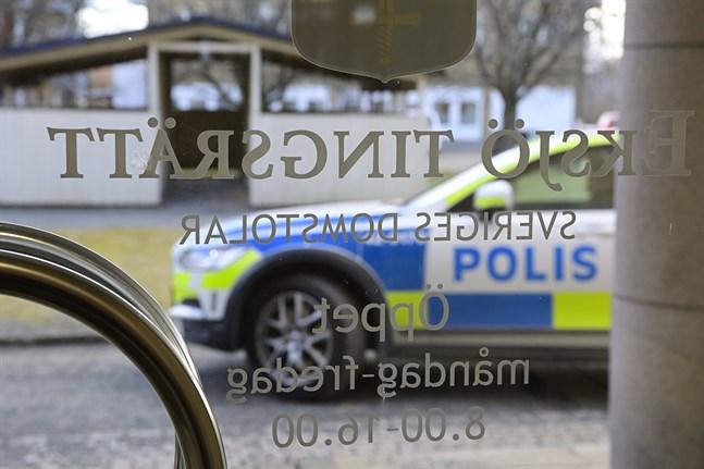 Den 22-årige man som misstänks för knivdådet i Vetlanda har nu häktats av Eksjö tingsrätt.