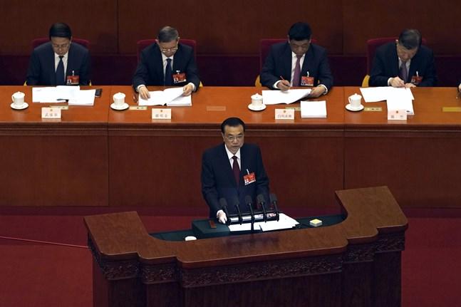 Kinas premiärminister Li Keqiang talade då folkkongressen inleddes.