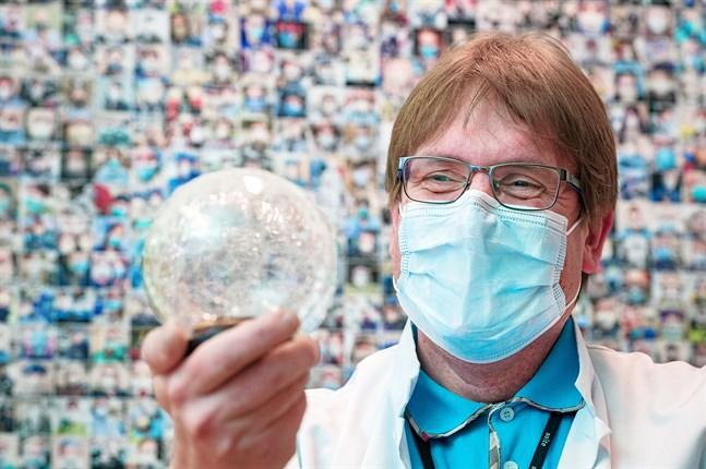 Infektionsöverläkare Marko Rahkonen är glad över att Karlebyregionen sticker ut på ECDC:s coronakarta och ser flera orsaker till det.