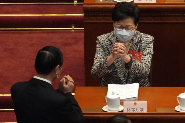 Hongkongs högsta politiker Carrie Lam under Kinas folkkongress på fredagen.