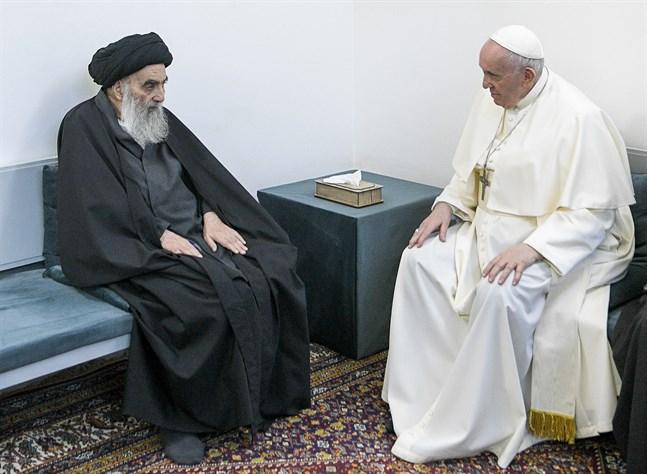 Storayatollan Ali al-Sistani tog emot påve Franciskus i Najaf.