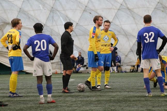 Ville Laine, Kevin Peth och Muhamed Omic fick konstatera att Vasa IFK var bättre än Kraft på lördagen.