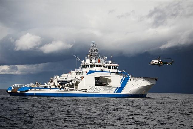 Gränsbevakningsväsendet och Västra Finlands sjöbevakningssektion varnade för svåra väderleksförhållanden i de västa sjöområdena på söndagen. Arkivbild.