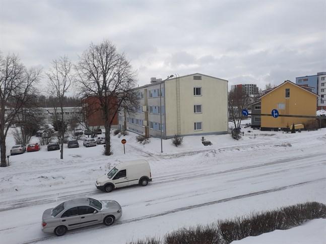 Se upp i trafiken, varnar meteorologerna. Snöbyar kan ställa till det.