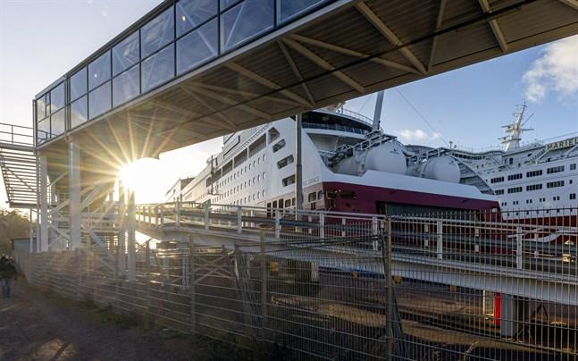 Färjetrafiken är avgörande för Ålands ekonomi. Bild tagen i november i Mariehamn.