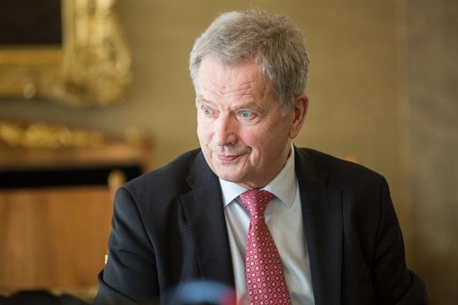 President Sauli Niinistö stödjer beslutet att skjuta upp kommunalvalet.