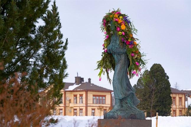Flora i Nykarleby på kvinnodagen.