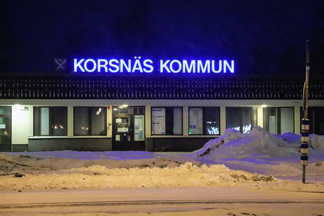 Ingen har hemlighållit någonting, skriver Korsnäs kommundirektör.