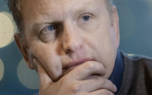 Scanias vd Henrik Henriksson erkänner att bolaget mutat sig fram i Indien.