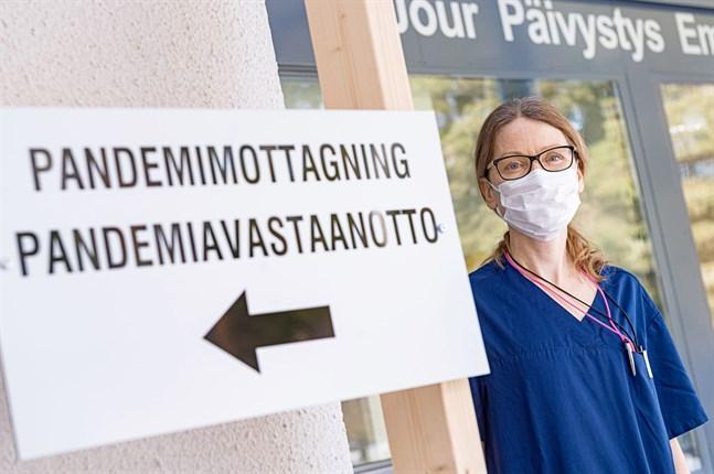 Smittskyddsläkare Johanna Gripenberg på Social- och hälsovårdsverket i Jakobstad.