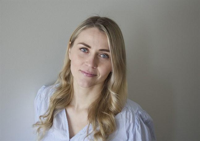 Henna Holmström studerar till hälsovårdare (YH), Campus Åbo