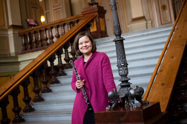 Oboisten Anni Haapaniemi är gästsolist på Vasa stadsorkesters torsdagskonsert.