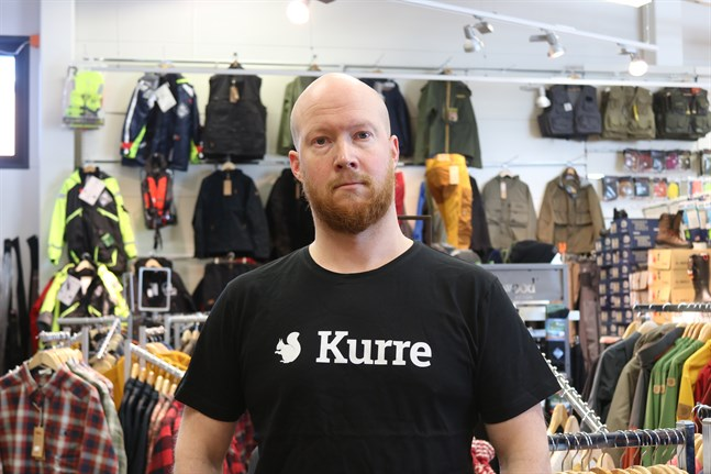 Andreas Nylund jobbar på Kurre jakt och fiske i Stenhaga. Han har märkt att intresset för friluftsliv har ökat. Själv är han en aktiv jägare.