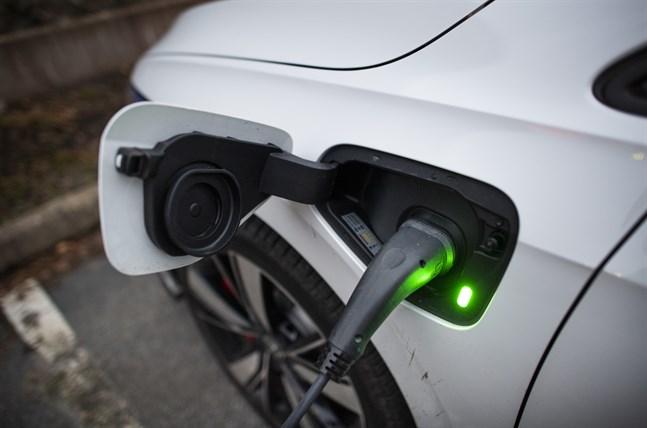 Volkswagen planerar sex fabriker för att säkra batterier till sin elbilsproduktion de kommande åren.