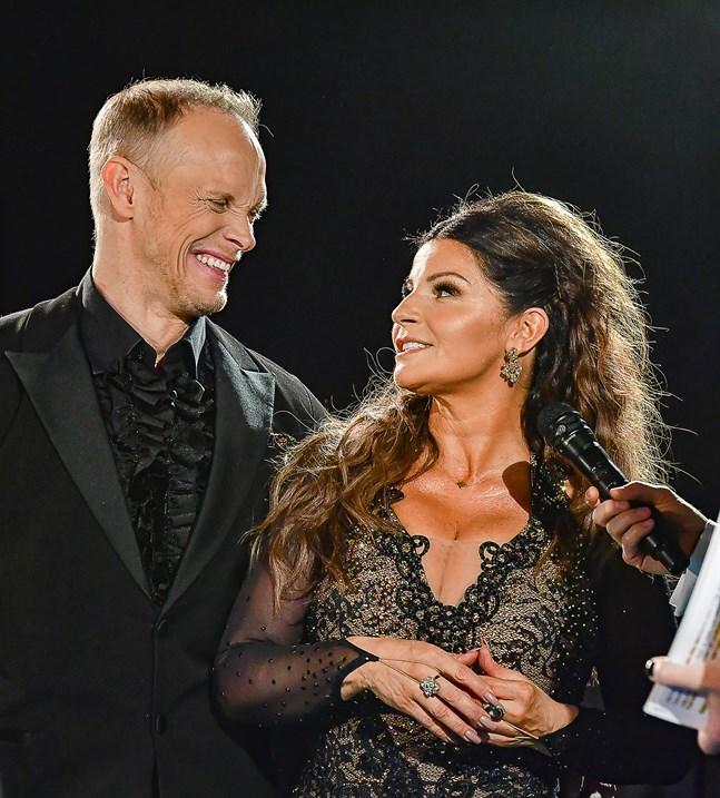Carola Häggkvist och Tobias Karlsson.