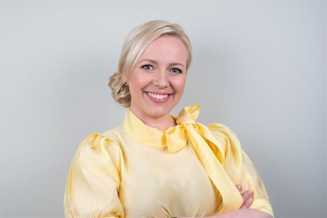 Johanna Holmängfortsätter som ordförande för Svenska folkpartiet i Österbotten.