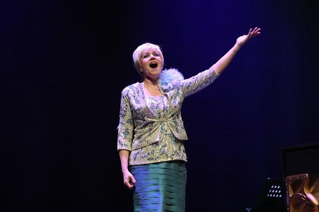 Satu Taalikainen spelar titelrollen som Katri Helena i höstens musikal på Vasa stadsteater.