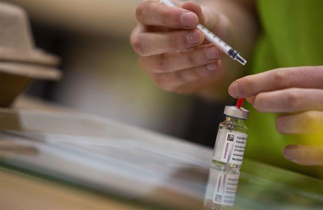 """När vaccineringen mot covid-19 kommit i gång hoppas EU-kommissionen också få igång resandet igen – med hjälp av """"gröna certifikat"""". Arkivbild."""