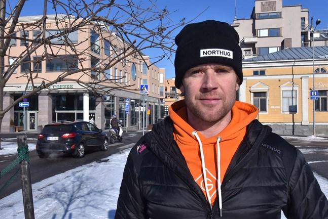 Hans Mäenpää tror inte att norrmannen Eirik Asdöls 476 kilometer lär godkännas som världsrekord på 24 timmar.