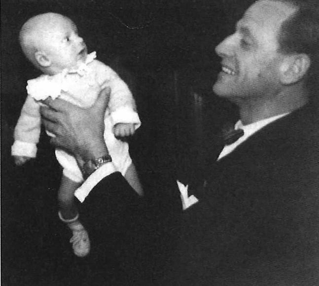 Fadern Gunnar och en mycket ung Joakim Groth.